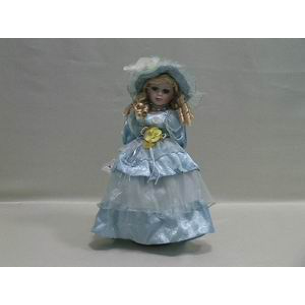 Фарфоровая кукла Ava